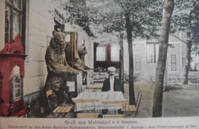1912 Bären vor Restaurant in Mahlsdorf