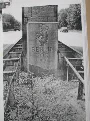 Bild 2 Zweiter Standort des Kilometersteins auf der A 8, Fahrtrichtung Karlsruhe (Foto Katz)