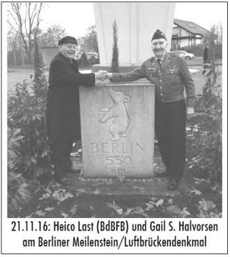 21.11.16- Heico Last (BdBFB) und Gail S. Halvorsen am Berliner Meilenstein/Luftbrückendenkmal