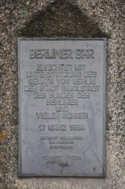 Gedenktafel, Berliner Bär in Ingolstadt Foto © Stadt Ingolstadt, Presse- und Informationsamt